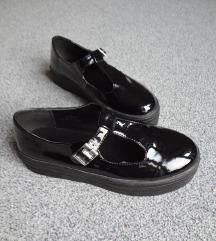 Lakasti čevlji