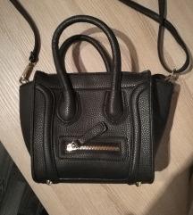 črna usnjena torbica manjša