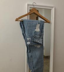 Girlfriend fit jeans