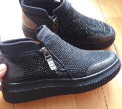 Črni čevlji 39 xti
