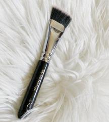 Zoeva face paint brush 109