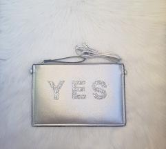 modna srebrna torbica