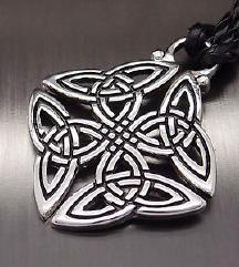 Amulet keltski ali trojni vozel