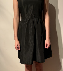 Črna obleka Zara
