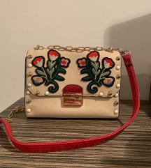 Modna torbica z rožami - Stradivarius