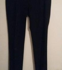 črne hlače Fairly