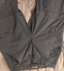 Temno sive pohodne hlače