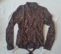 Rjava srajčka z leopardjim vzorcem