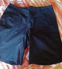 Črne kratke hlače - bermuda