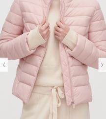 Resrved jakna
