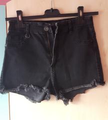 Črne kratke hlače