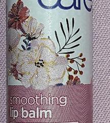 Balzam za ustnice z jasminom in vitaminom E