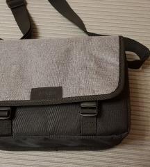 NIKON torbica za fotoaparat