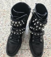 Zara usnjeni čevlji