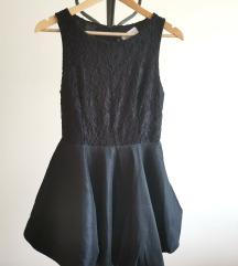 Črna čipkasta obleka za valeto