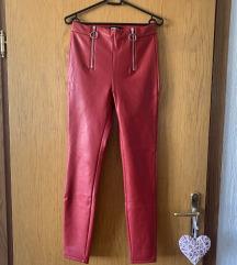 Rdeče usnjene hlače