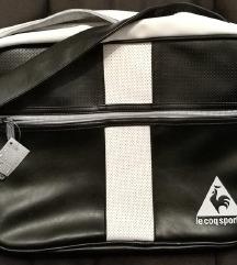 Nova torba Le Coq Sportif z etiketo