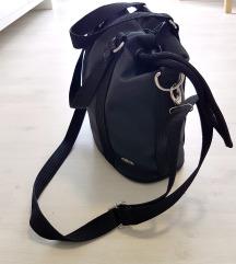 Original Lacoste torbica kupljena za 110 evrov