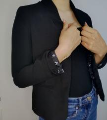 Črn suknjič Bershka