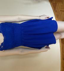 Modra obleka z čipko