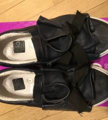 Modro črni čevlji - mpc 149 Eur