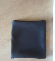 črna svilena rutica