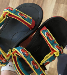 Teva in Nike natikaci
