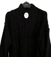 ZNIŽ.Nov pulover z ovratnikom