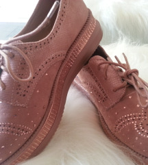 roze semiš čevlji