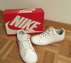 Nike Court Royale bele superge