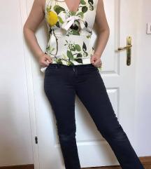 Armani Jeans originalne hlače - mpc 130 evrov