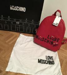 Love Moschino rdeč nahrbtnik z etiketo