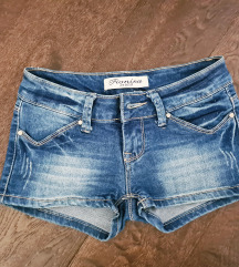 Kratke hlače xs + podarim 2kosa