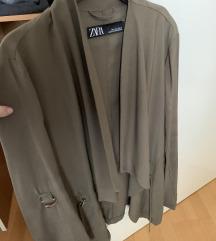 Zara prehodna jaknica