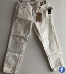 Nove bele boyfriend jeans