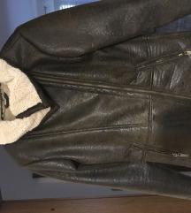 Mana jakna S