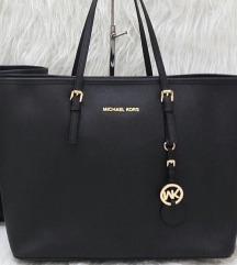 Kupim repliko  MK torbice