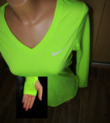 Nike majica (M/L) - REZERVIRANA