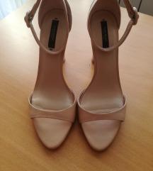 usnjeni sandali št. 39