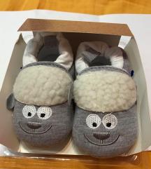 Otroški copatki ovčka št 12
