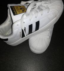 Adidas superstar številka 36