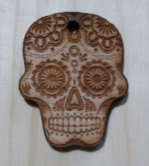 Skull - lesen obesek lobanja
