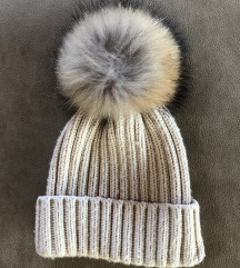 Zimska kapa s snemljivim cofom