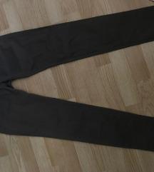 Temno rjave hlače