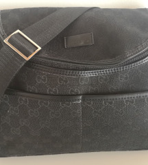 Previjalna torba GUCCI Monogram Canvas - REPLIKA