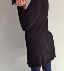 Črna pletena jopica
