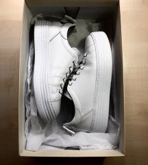 NOVI čevlji NeroGiardini 140 eur