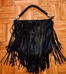 H&M črna torbica z resicami