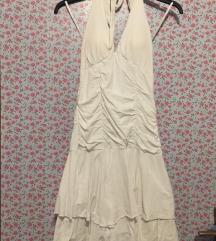 S bela oblekica