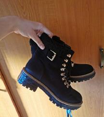 Zimski škorenjčki 39